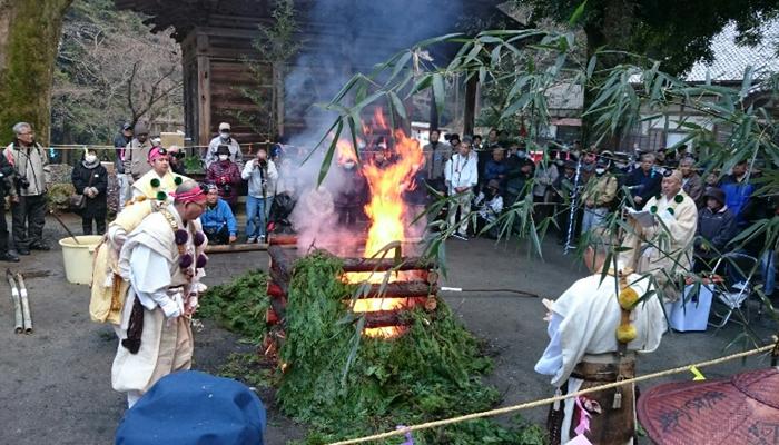 miesekiji-temple-gomataki4